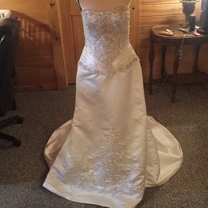 Signature ivory wedding dress with silver 10